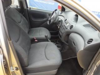Toyota Yaris 1.0I č.8