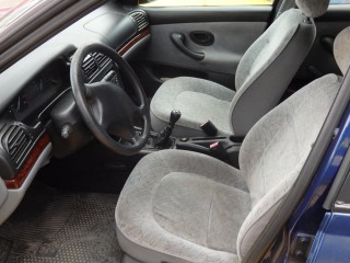 Peugeot 406 1.8 i č.7