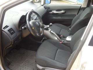Toyota Auris 1.6 VVT-I 91KW XENONY č.7