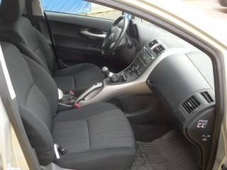 Toyota Auris 1.6 VVT-I 91KW XENONY č.8