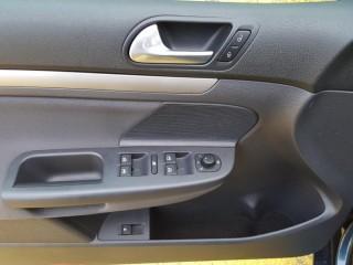 Volkswagen Golf 1.6 Mpi č.14