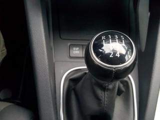 Volkswagen Golf 1.6 Mpi č.15