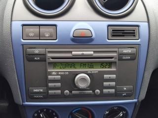 Ford Fiesta 1.3i 51KW Klima č.12