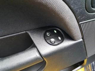 Ford Fiesta 1.3i 51KW Klima č.14