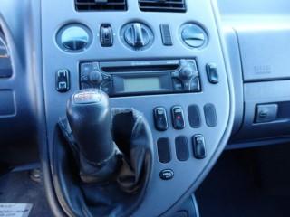 Mercedes-Benz Vito 2.2 CDi 1.MAJITEL č.15