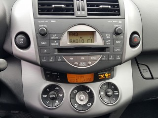 Toyota RAV4 2.0 VVT-I 112KW LPG č.13