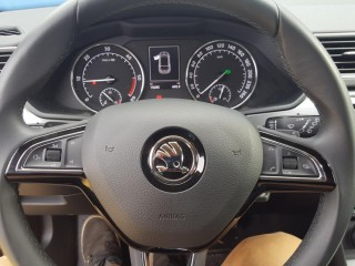Škoda Superb 2.0 TDi 140KW 4X4, 1.Majitel č.11
