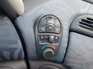 Renault Grand Espace 2.0i 84KW 7-Sedadel č.13