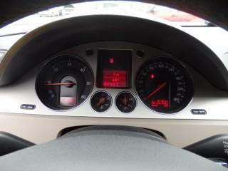 Volkswagen Passat 2.0 Tdi 157000km DSG č.12