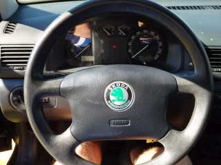 Škoda Octavia 1.6i 75KW 100%KM č.9