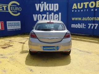 Opel Astra 2.0i GTC 125KW č.6