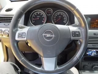 Opel Astra 2.0i GTC 125KW č.8
