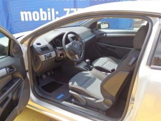 Opel Astra 2.0i GTC 125KW č.10