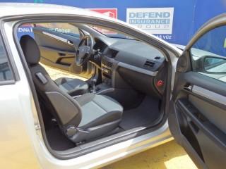 Opel Astra 2.0i GTC 125KW č.14