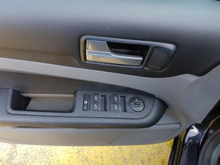 Ford Focus 1.6 74 Kw č.12