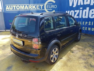 Volkswagen Touran 1.4 TSi 103KW CROSS č.4