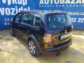 Volkswagen Touran 1.4 TSi 103KW CROSS č.6