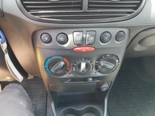Fiat Punto 1.2 Klima 94000Km č.13