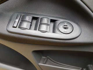Ford C-MAX 2.0Tdci Automat,Titanium č.16