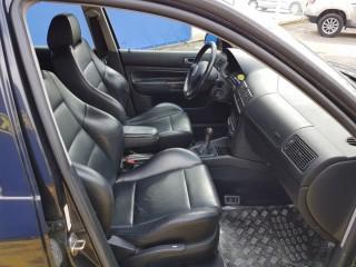 Volkswagen Golf 2.3 V5 č.8