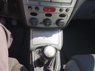 Alfa Romeo GT 1.9 JTD 110KW Krásný Stav č.12