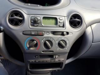 Toyota Yaris 1.0 VVT-I 50KW č.11