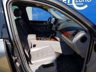 Volkswagen Touareg 3.0 TDi 165KW č.8
