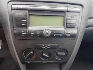 Škoda Octavia 1.6 16V č.12