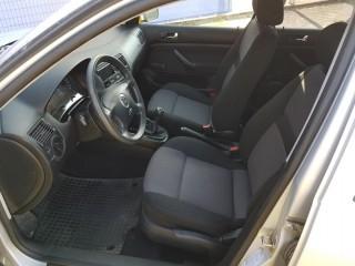 Volkswagen Golf 1.6 mpi č.7