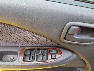Toyota Avensis 2.0 TD 66KW č.13