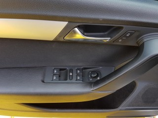 Volkswagen Passat 2.0 TDi 103KW 4-Motion č.18