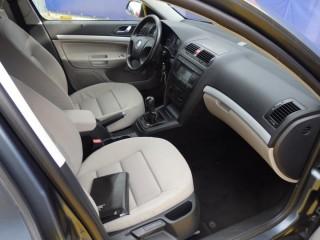 Škoda Octavia 1.9 77Kw č.8