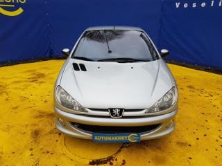 Peugeot 206 1.6i CC č.2