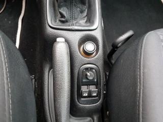 Peugeot 206 1.6i CC č.12