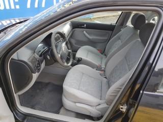 Volkswagen Golf 1.4i č.7