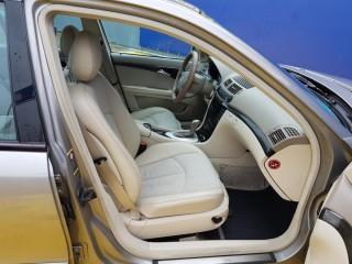 Mercedes-Benz Třídy E 270 CDi AVANTGARDE TOP STAV č.8