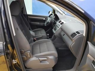 Volkswagen Touran 2.0 Tdi BKD č.8