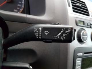 Volkswagen Touran 2.0 Tdi BKD č.13
