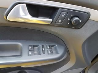 Volkswagen Touran 2.0 Tdi BKD č.15