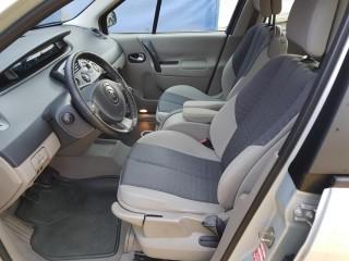 Renault Scénic 1.6i č.8
