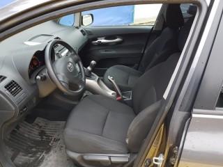 Toyota Auris 1.4i 1. Majitelka č.7