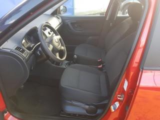 Škoda Fabia 1.2 51Kw 31000km č.7