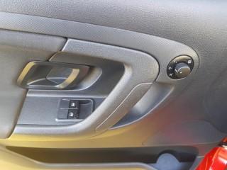 Škoda Fabia 1.2 51Kw 31000km č.14