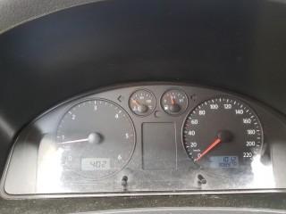 Volkswagen Transporter 2.5 TDi Sanita/Obytný vůz č.10