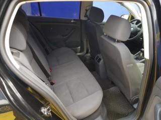Volkswagen Golf 1.4 16V 55Kw č.9