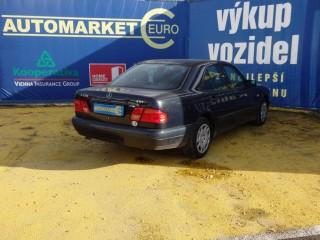 Mercedes-Benz Třídy E E220 CDi č.4