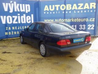 Mercedes-Benz Třídy E E220 CDi č.5