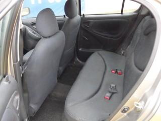Toyota Yaris 1.0 VVT-I č.10