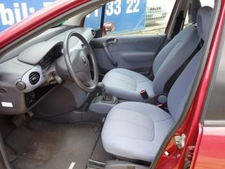 Mercedes-Benz Třídy A 1.6i Poloautomat č.7