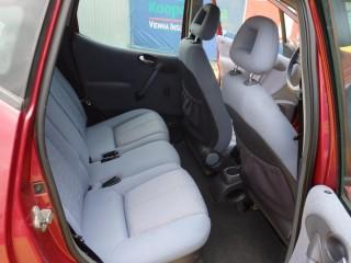 Mercedes-Benz Třídy A 1.6i Poloautomat č.10
